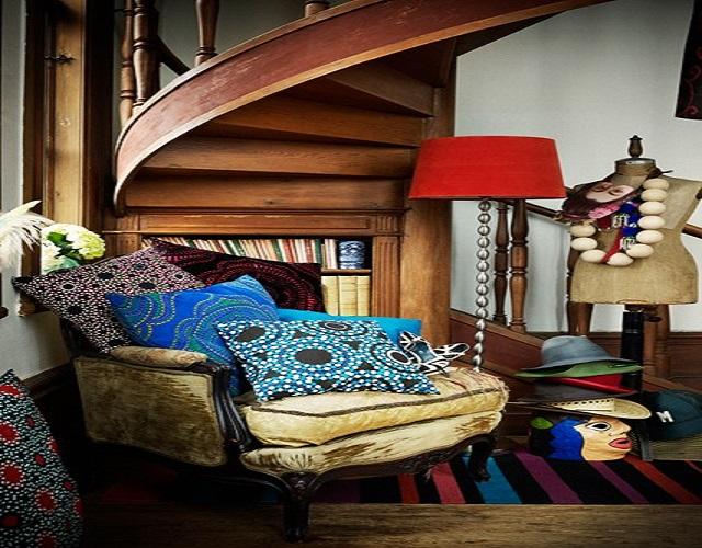 understair bookshelfe  10 creative Bookshelf design ideas Hallways
