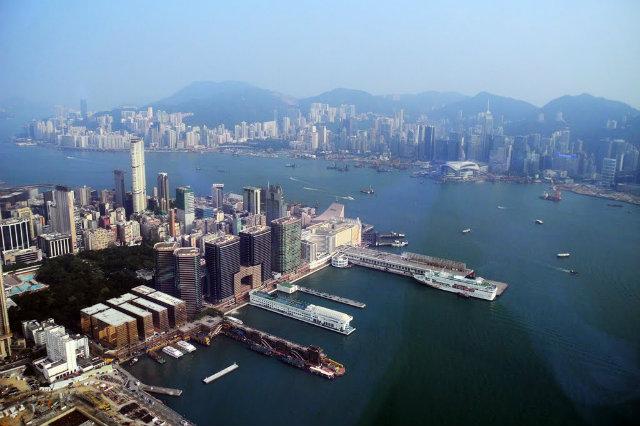 Sky-100-Hong-Kong-deck  Must go in Hong Kong Sky 100 Hong Kong deck