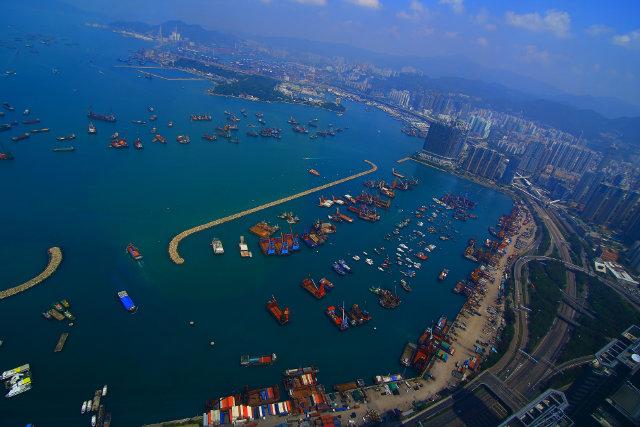 Sky-100-Hong-Kong-deck  Must go in Hong Kong Symphony of Lights HK