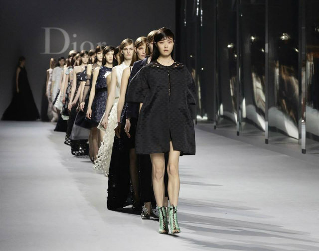 Dior-Haute-Couture-Hong-Kong-firts-show  Christian Dior: The First Haute Couture show in Hong Kong Dior Haute Couture Hong Kong firts show
