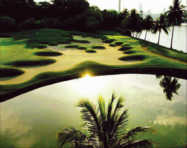 10-Expensive-Things To-Do-In-Singapore-that-you-can't-miss-golf-sentosa-singapore  10 Expensive Things To Do In Singapore that you can't miss 10 Expensive Things To Do In Singapore that you cant miss golf sentosa singapore