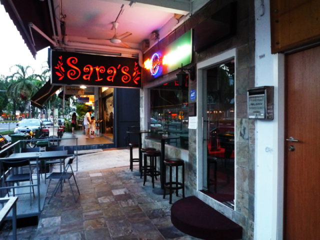 -Cool-bars-in-Singapore-that-you-must-visit-Saras-bar  Cool bars in Singapore that you must visit Cool bars in Singapore that you must visit Saras bar