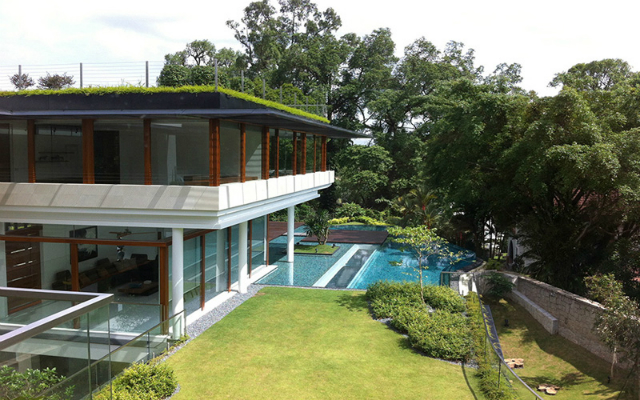 The spectacular tropical singapore bungalow by guz for Guz architects sun house